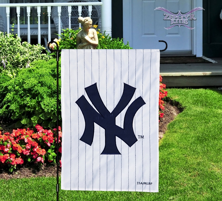 Good Home U003e Flags U003e Garden Flags U003e New York Yankees Applique Garden Flag